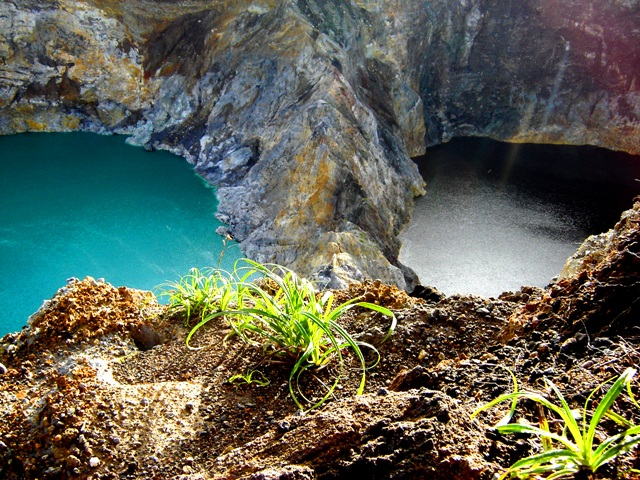 Simply amazing Kelimutu Lake - Flores, photographed by JavaTourism.com