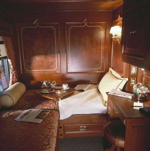 Suite royal canadian pacific from luxury train club flickr for Bedroom express