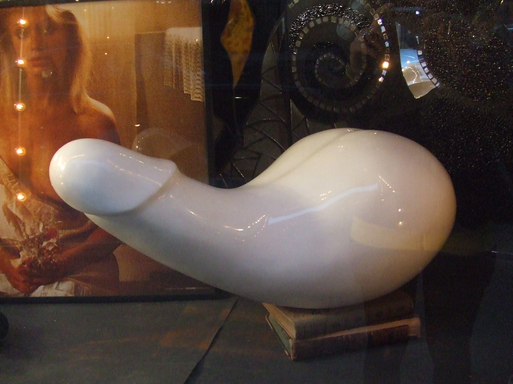 cock ice sculpture