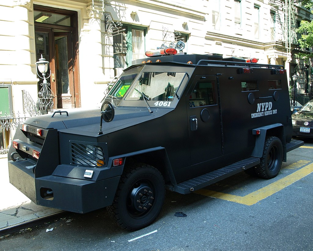 P013s nypd emergency service unit police vehicle lower mi - Garden city police department ny ...