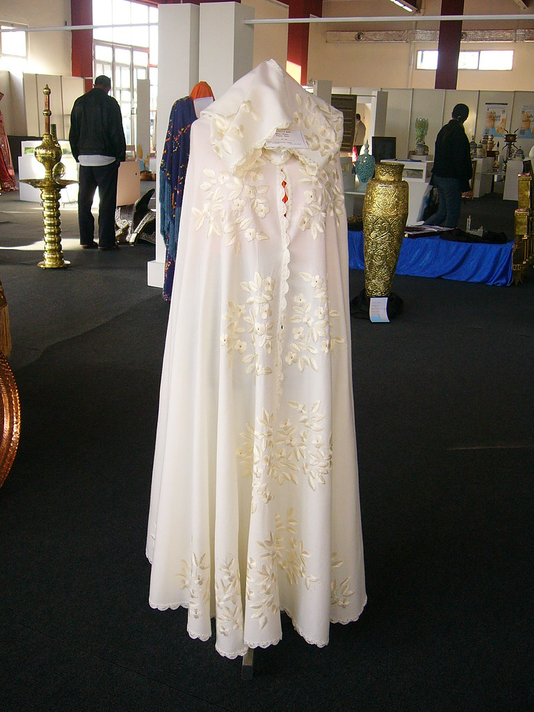 Traditional White Algerian wedding Woman Bernouss.   Flickr