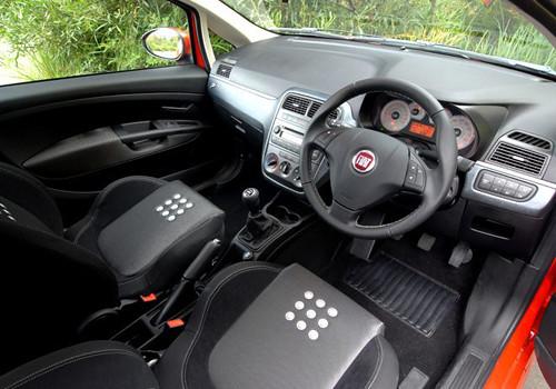 Fiat grande punto steering wheel interior photo fiat for Fiat grande punto interieur