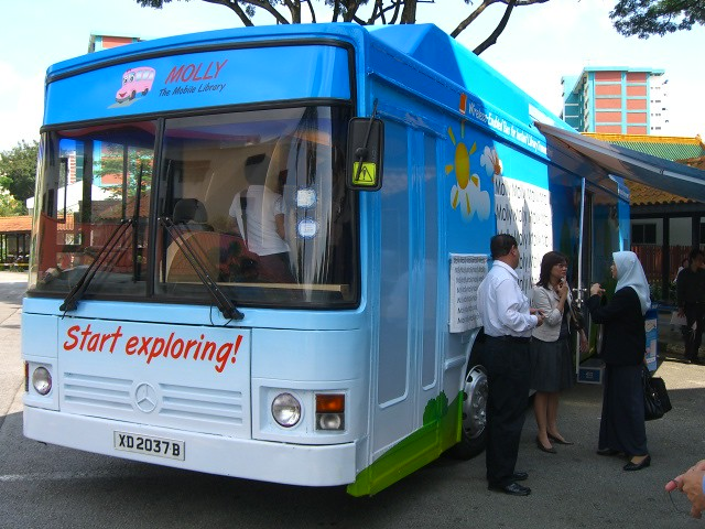 Molly Mobile Library Bus Start Exploring Molly Er