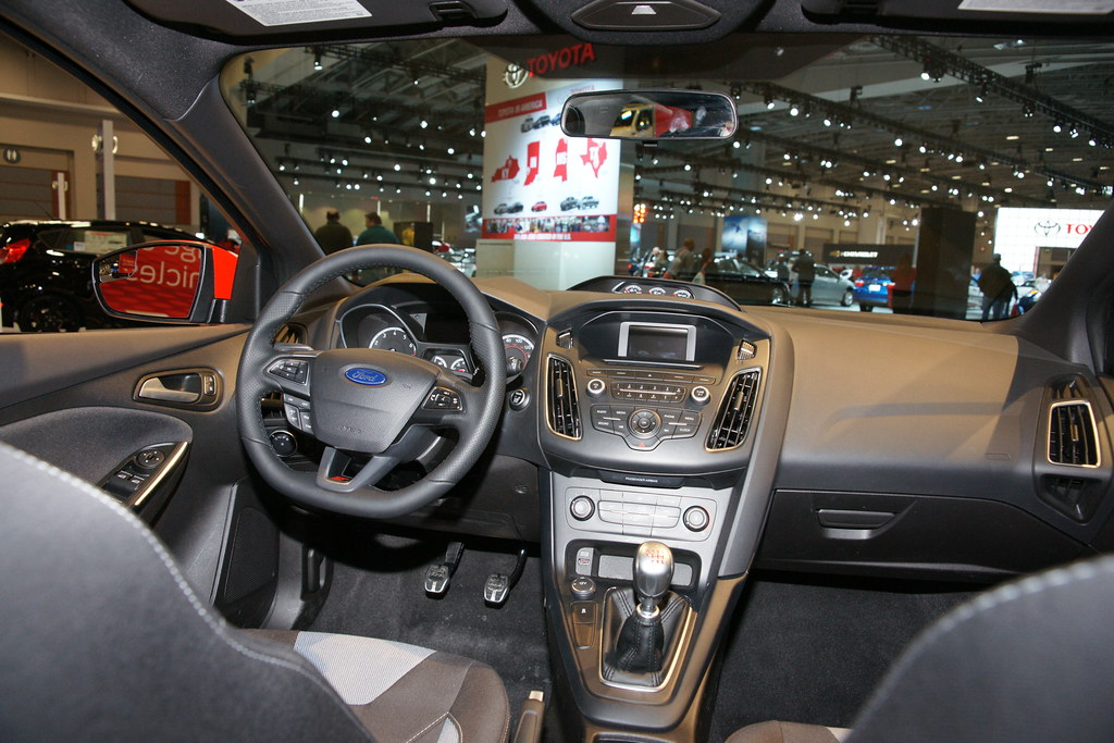 ... 2017 Ford Focus ST Interior | By Channaher