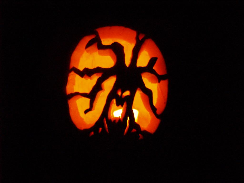 Haunted tree pumpkin carving halloween