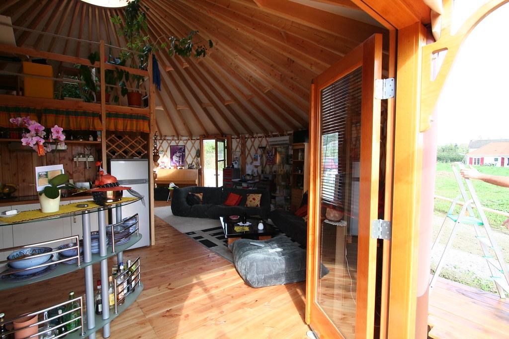yourte d 39 habitation 034 yourte contemporaine de 68 m us flickr. Black Bedroom Furniture Sets. Home Design Ideas
