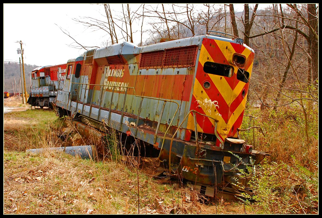 The Fugitive -Train Wreck | Remains of the train wreck in ...