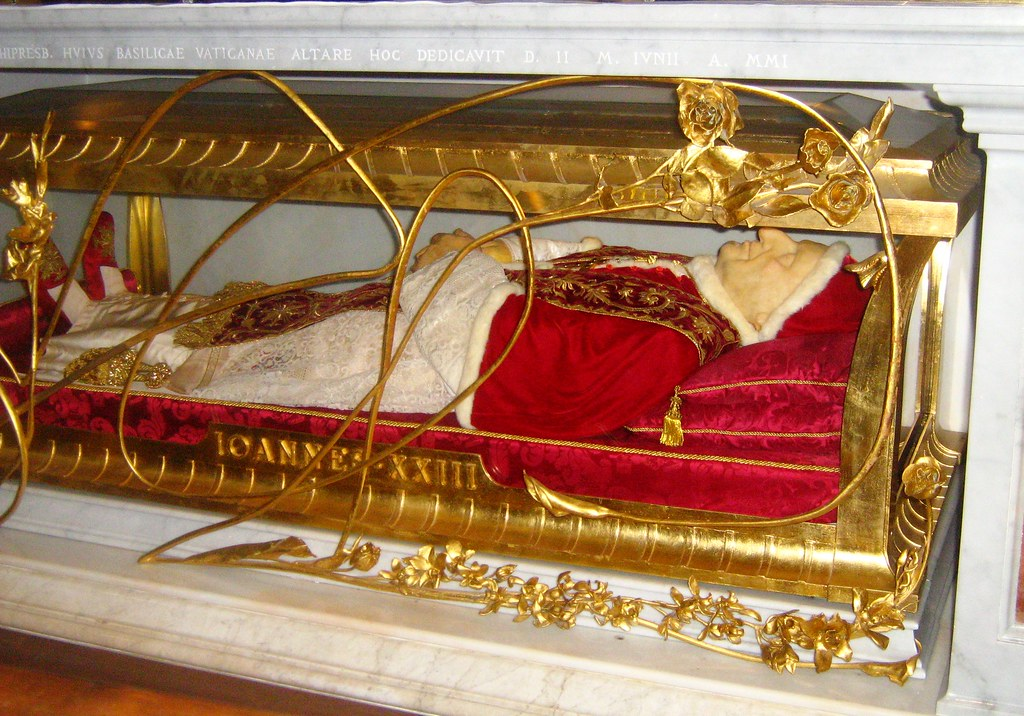 St Peter's Basilica - Body of Blessed John XXIII | The not ...
