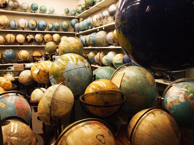 Glober a un tienda de barcelona especializada en globos te flickr - Globos terraqueos barcelona ...