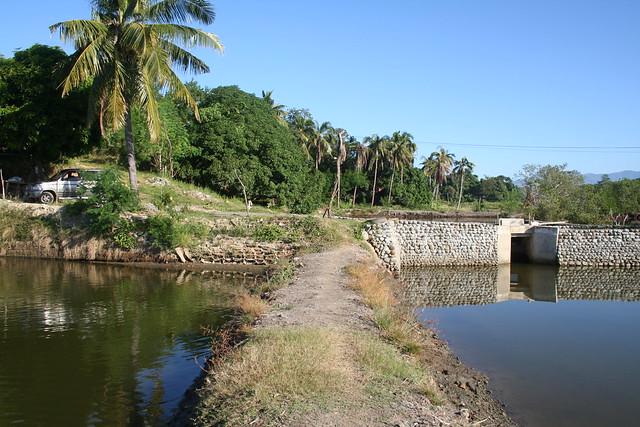 Fish Pond In Masinloc Zambales Flickr Photo Sharing