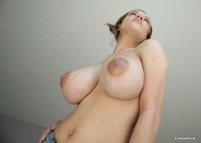 припухшие соски жіночих цицьок порно фото