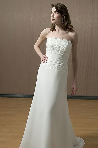 7038Flrg - Alfred Sung Wedding Dresses / Alfred Sung Weddi… | Flickr