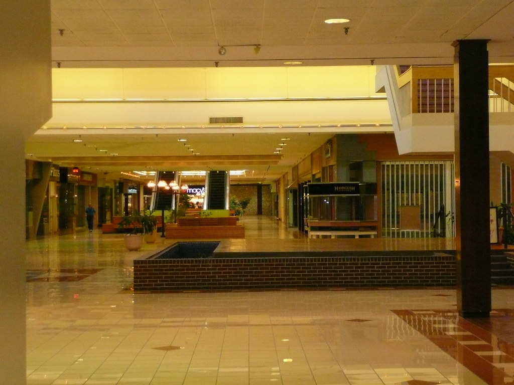 Overland Park Ks Metcalf South Shopping Center A Dead Ma Flickr
