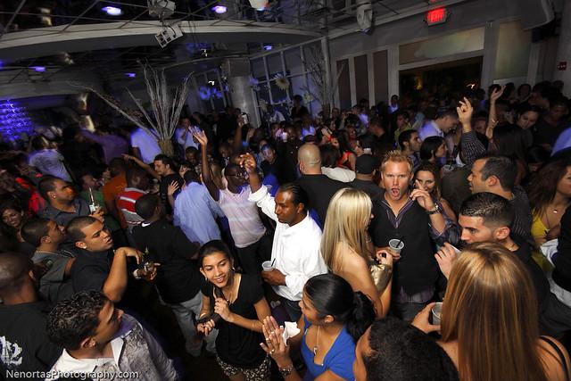 Great Trend Living Room Nightclub Site 2020 @house2homegoods.net
