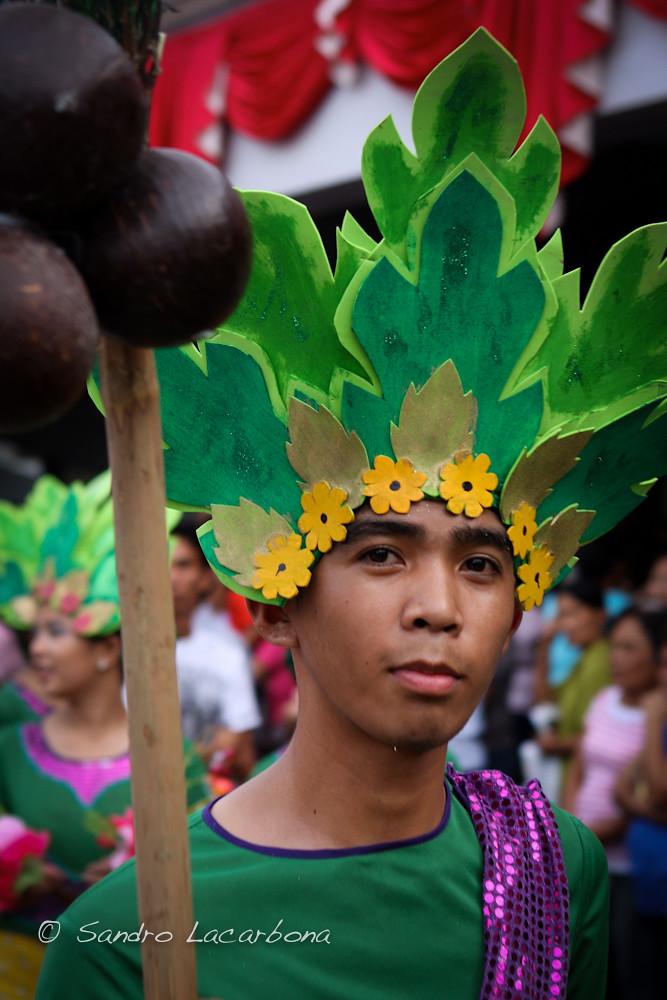 "Man costume at the Sinulog festival   Costume ""masculin ..."