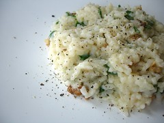 Spinach, cheese and walnut baked risotto / Risoto de forno de espinafre, queijo e nozes | by Patricia Scarpin