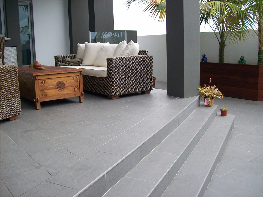 Outdoor patio tile
