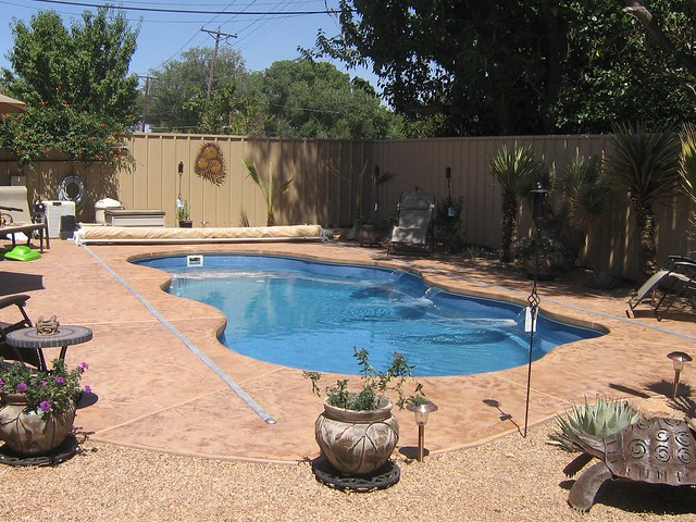 Bermuda 4a viking pools free form design advanced for The garden pool el paso