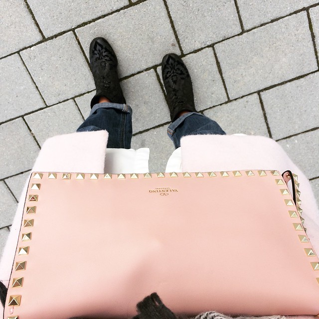 instagram-impressions-strolling-around-with-my-new-bag-valentino-rockstud-wiebkembg