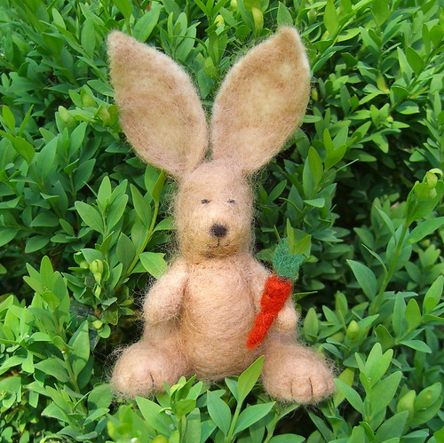 Needle Felted Bunny | by www.rachaelrabbit.blogspot.com
