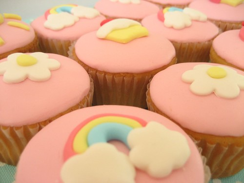 rainbow and cupcake cupcakes | by hello naomi