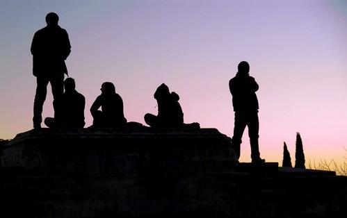Silhouettes au coucher du soleil montpellier sur le peyr magali flickr - Coucher du soleil montpellier ...