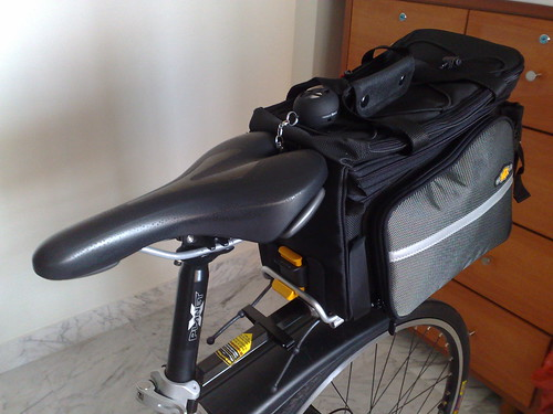 Bicycle Commuting: Trunk bag | by mr brown