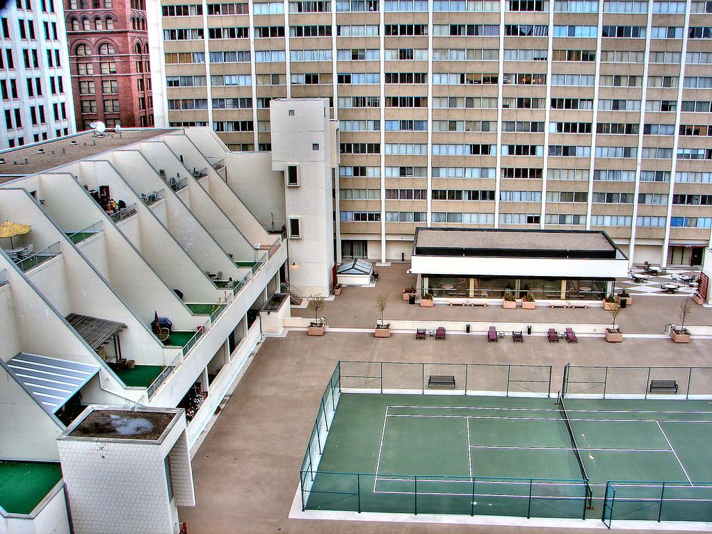 Kellogg Square Apartments