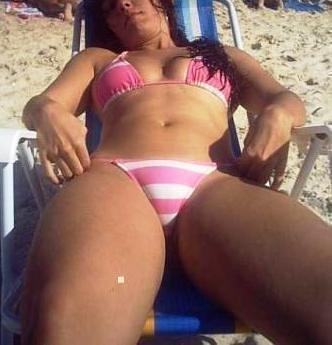 busty nude nigerian girl
