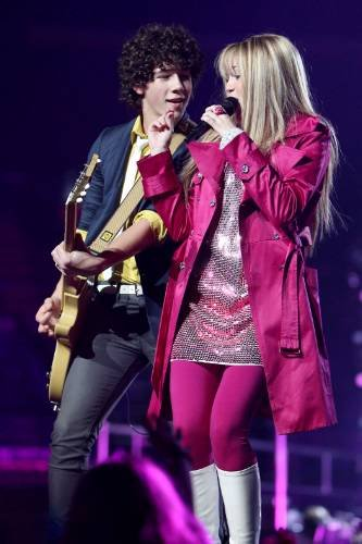 Nick Jonas and Miley Cyrus | by Jonas Brothers Tribute