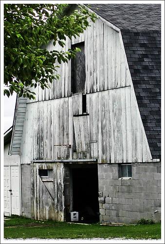 bokhylla barn mio ~ dscn0128jw  amish barn near mio, michigan view on black