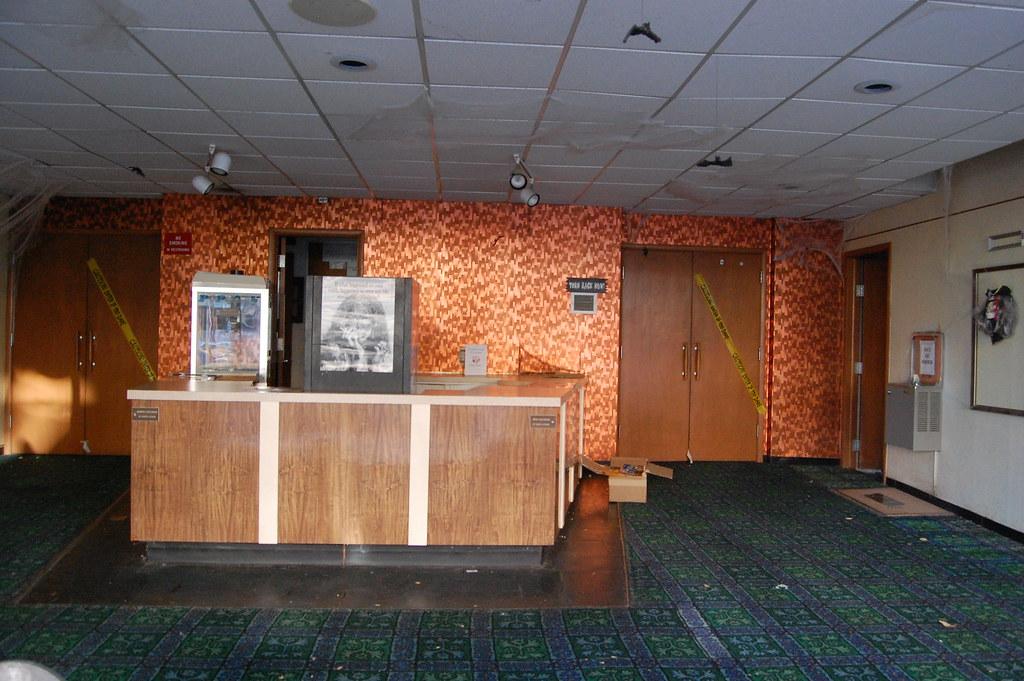 Superbe ... STATE Theatre   Garden City, Ks Closed! Photo #3 | By SouthEast Dallas