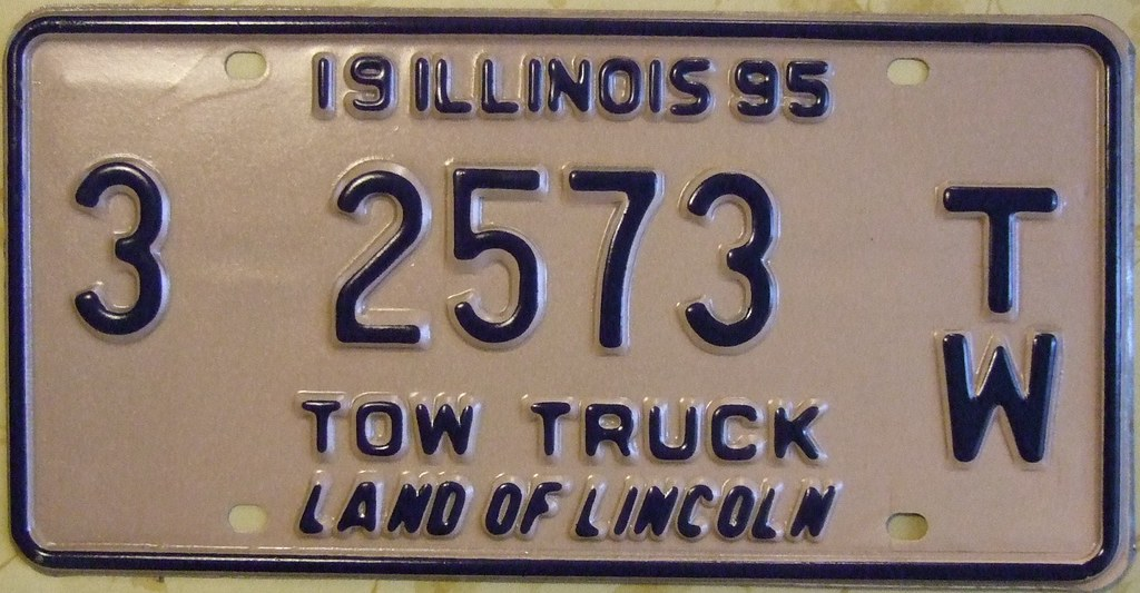 License Plate Camera >> ILLINOIS 1995 ---TOW TRUCK LICENSE PLATE, DARK BLUE ON PIN ...