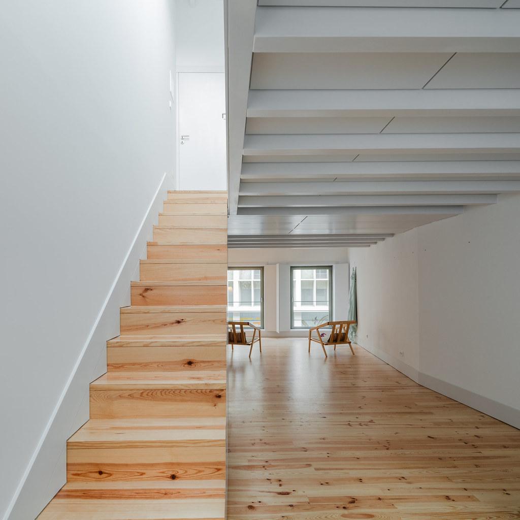 Duplex flat design in Porto by Portuguese architectural studio PF Arch Sundeno_04