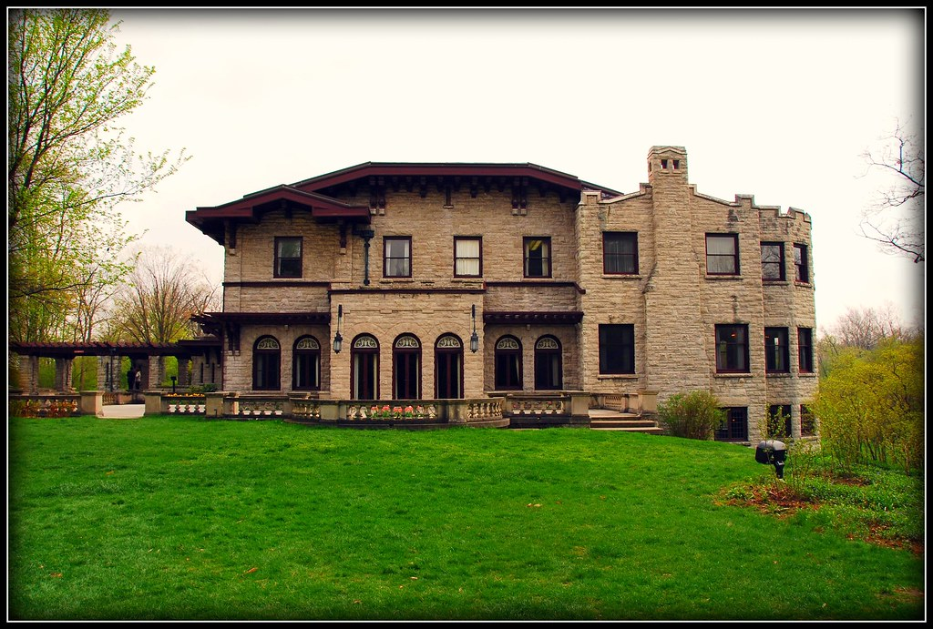 Henry ford 39 s fairlane mansion henry ford fairlane estate for Building a home in michigan