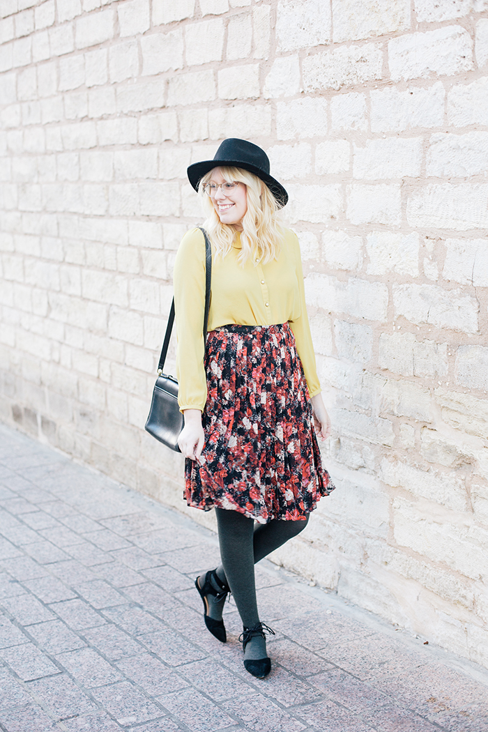 austin fashion blogger floral midi skirt winter outfit5