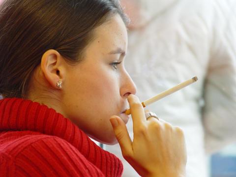 Girl Smoking More Menthol 120 Fetish