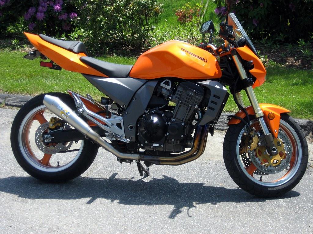 Orange Kawasaki Z1000 With LeoVince SBK Slip On