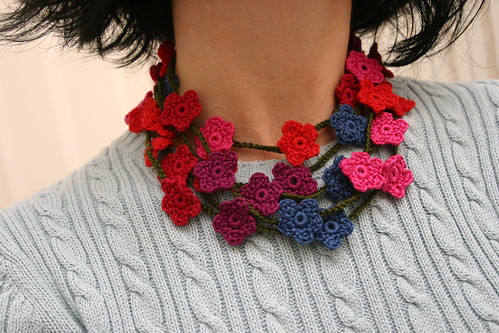 crocheted flower necklace | by khelanew