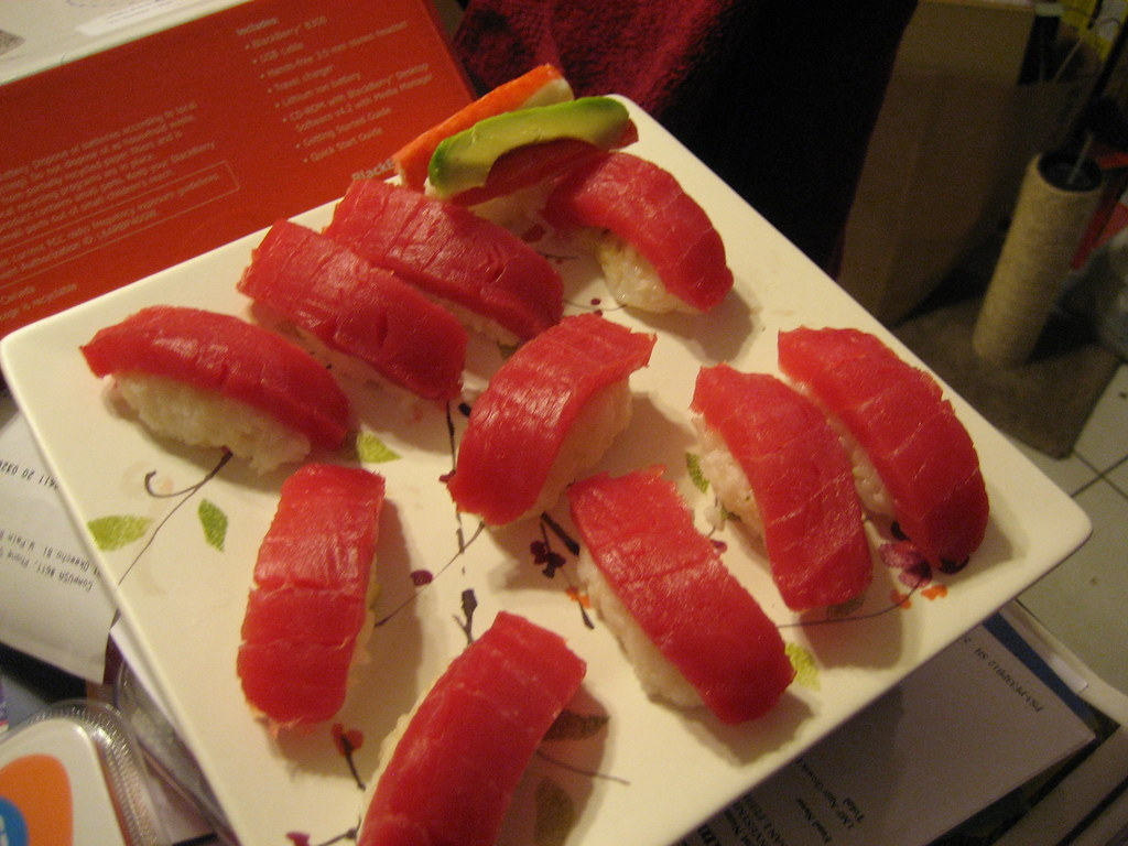Tuna nigiri sushi grade tuna r l flickr for Sushi grade fish