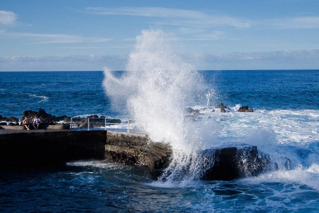 breaking waves by josedelsol - photo #2