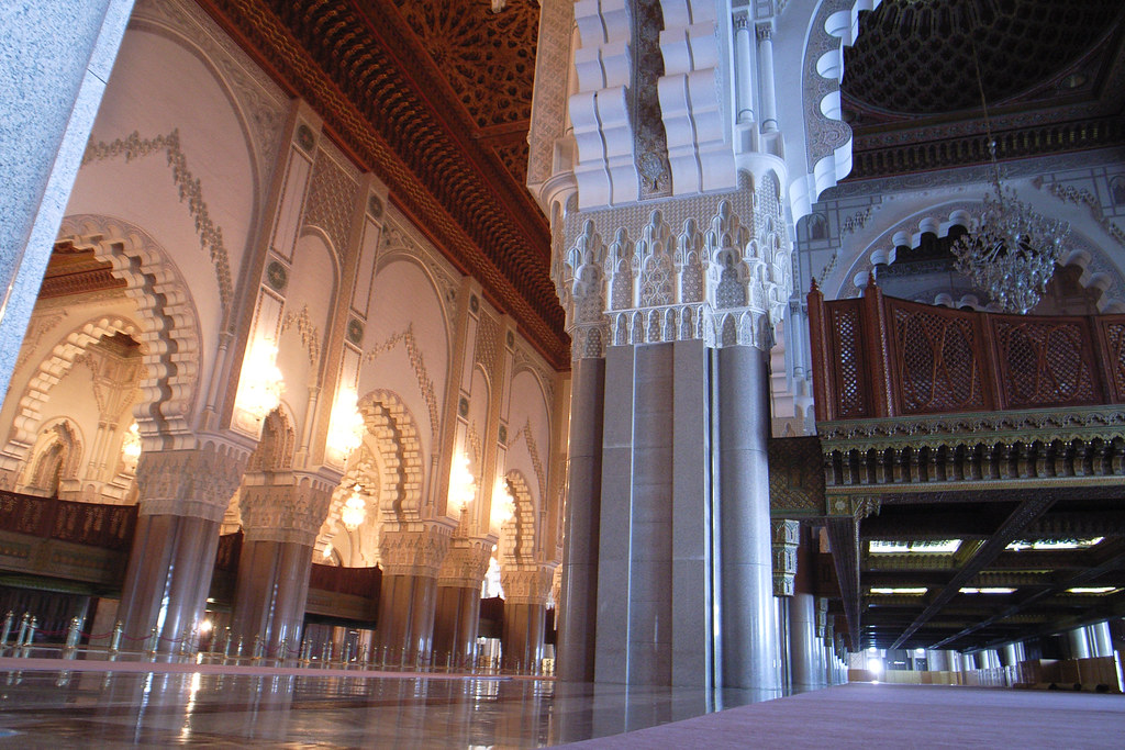 Inside hassan ii mosque casablanca morocco a l for Inside a l interieur
