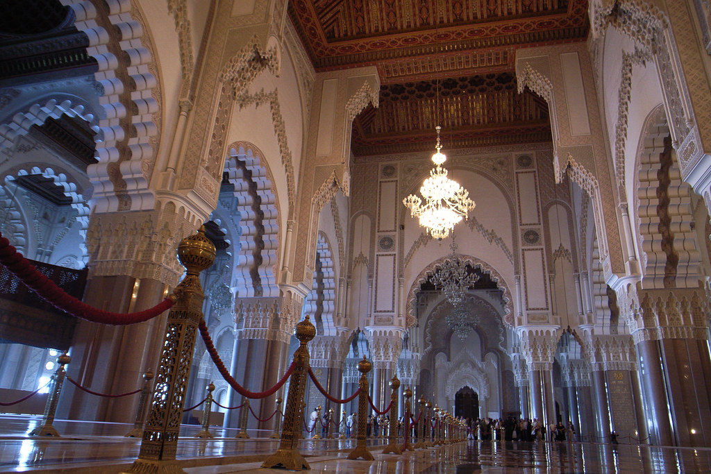 Inside hassan ii mosque casablanca morocco a l for Mosquee hassan 2 interieur
