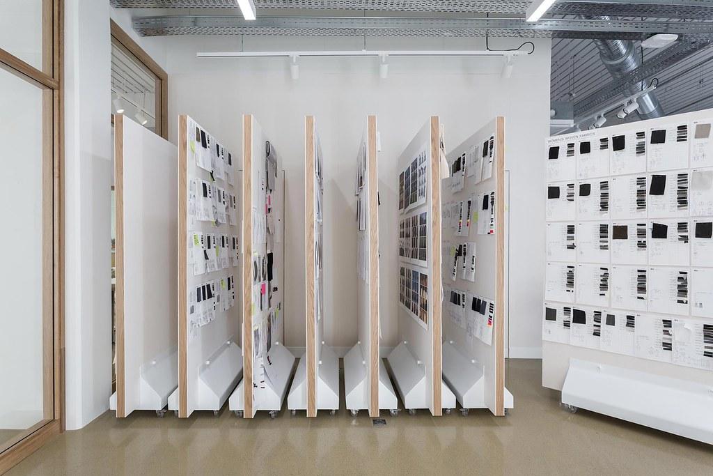 Showroom interior design for the Uniqlo brand by Ciguë Sundeno_07