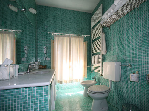 Bagno mosaico at villa le piazzole the bathrooms are large flickr - Piastrelle bagno firenze ...