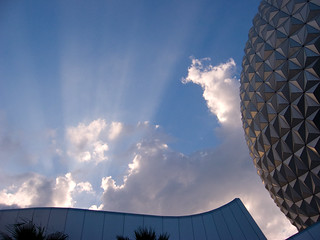 Crepuscular Rays Next to Spaceship Earth | by Jason Pratt