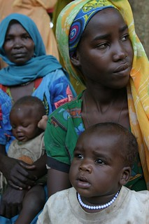Women and children at the health post of the Sam Ouandja refugee camp | by hdptcar