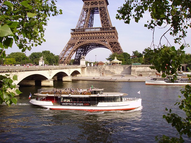 bateau mouche on river seine near the pont d 39 i na and eiffel tower in paris flickr photo. Black Bedroom Furniture Sets. Home Design Ideas
