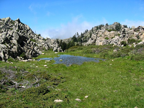 Extrémité SE de la plaine d'Uovacce avec son petit lac