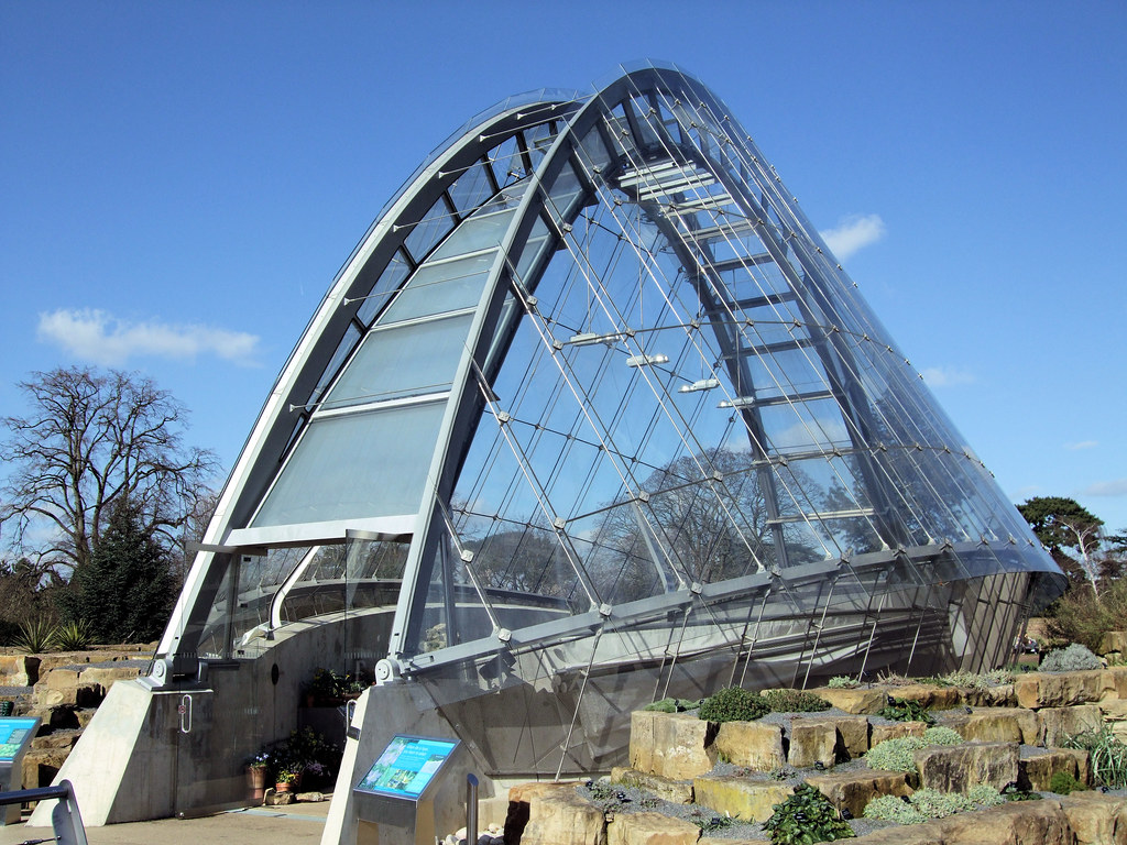 The davies alpine house kew gardens london the davies for Architecture high tech